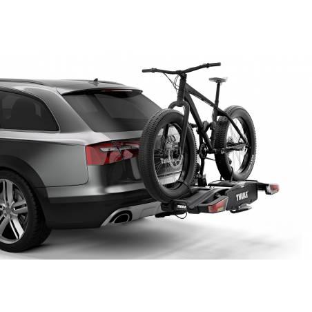 Grande capacité de chargement permettant le transport de vélos électriques et de VTT.