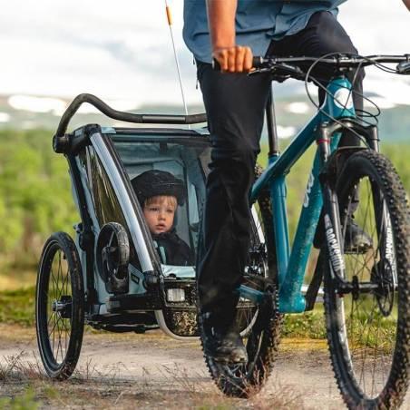 La remorque vélo Cross 1 Thule modèle 2021, couleur Alaska en balade – YGGOR